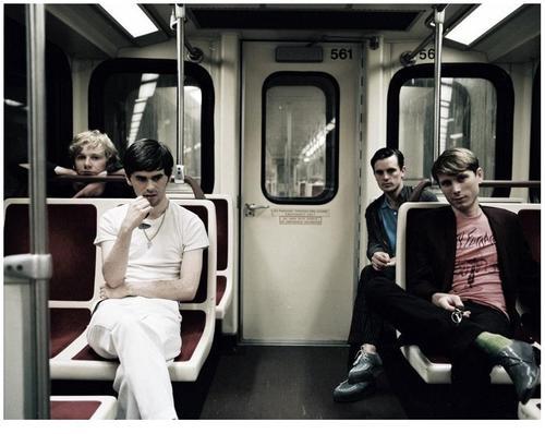 Até parece que eles andam de metrô